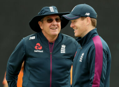 England coach Trevor Bayliss in discussion with captain Eoin Morgan